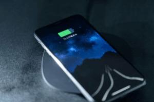 ハッピーメールのおしゃべり機能は使用すべき?アプリ内の電話回線を利用するのは情弱の証である理由