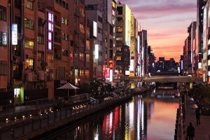 大阪でセフレを探せる場所と方法を徹底解説!相席屋、ラウンジ、出会い系、掲示板どれを使うべき!?